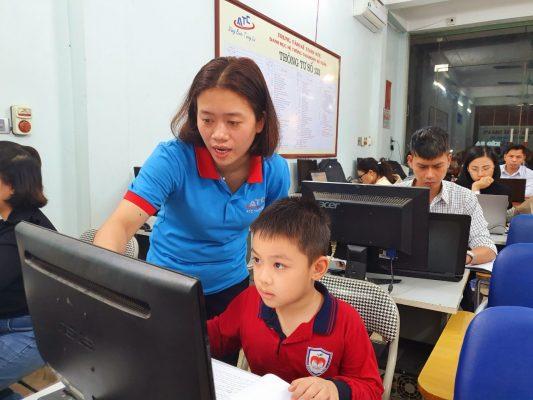 Lop day tin hoc van phong Thanh Hoa